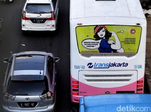 Kampanye Anti Rokok di Bus TransJakarta