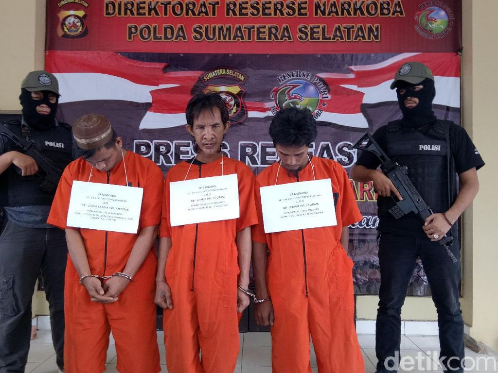 Polisi Tangkap 3 Pengedar Ganja di Palembang