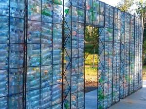 Ini Baru Unik, Desa Botol Plastik