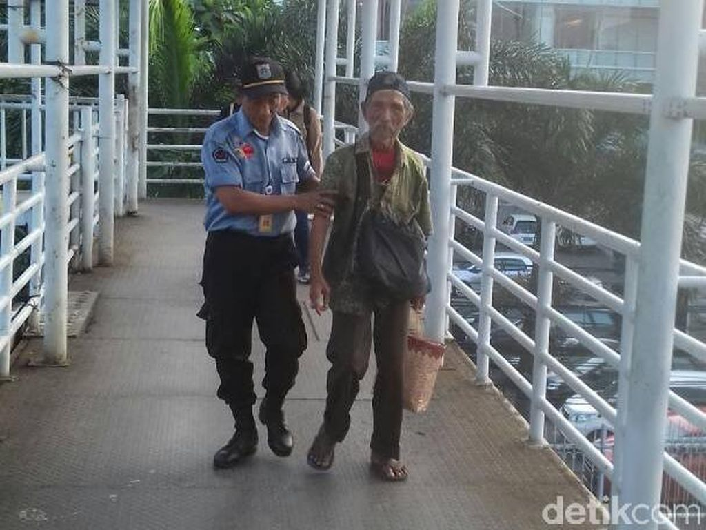 Petugas Tangkap Pengemis yang Bawa Rp 3,5 Juta di Matraman