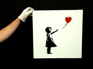 Netizen Kecam Aksi Banksy Terlibat Pemilu Inggris