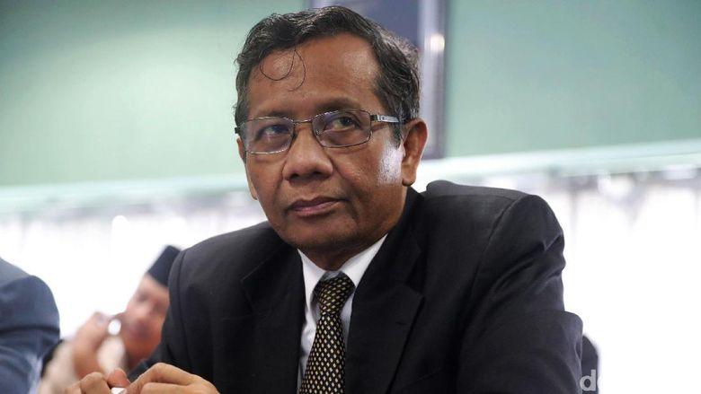 Mahfud MD: Jika Jokowi Tak Turun, Artinya Allah Tak Ridhoi Amien