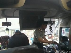 Jelang Mudik, Polisi Cek Kelaikan Armada Bus di Tanjung Priok