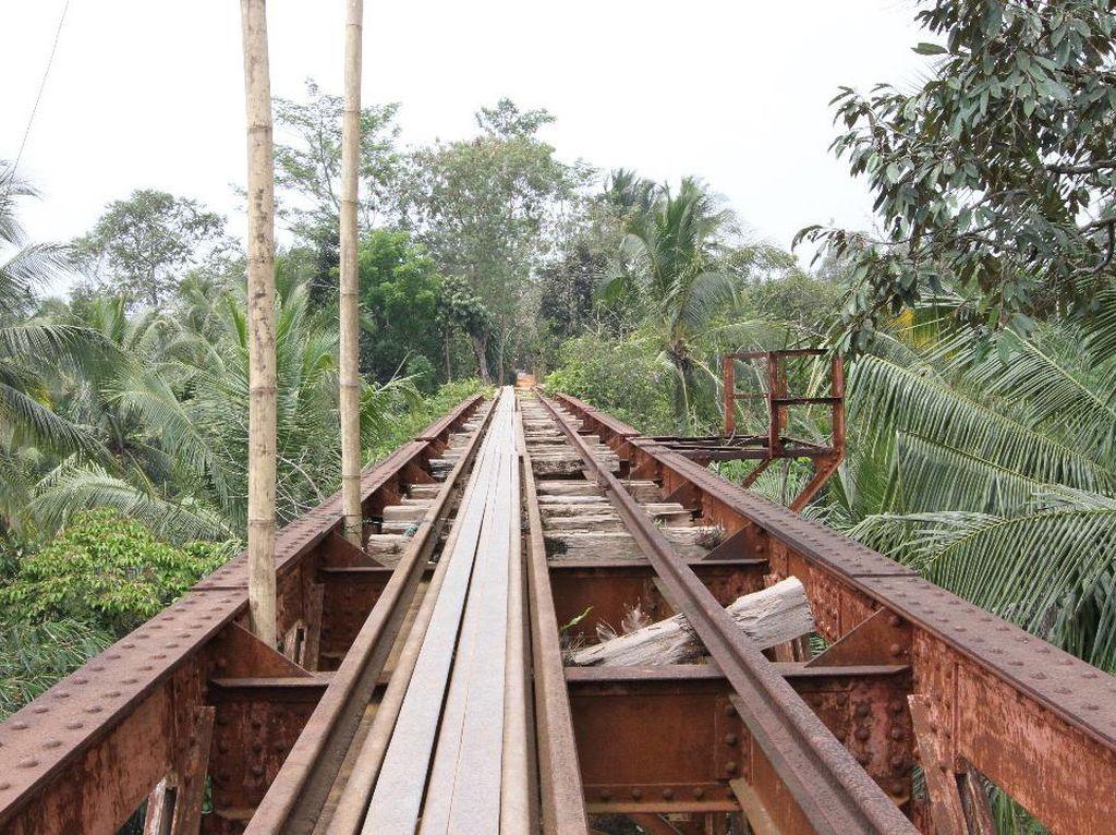 Jalur KA Warisan Belanda di Rengasdengklok Mau Dihidupkan