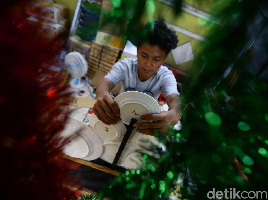 Berkah Pedagang Parsel Selama Ramadan