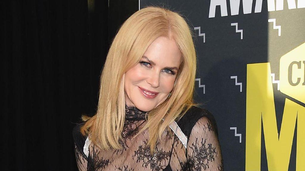 Nicole Kidman Tetap Seksi Menggoda di Usia 49 Tahun