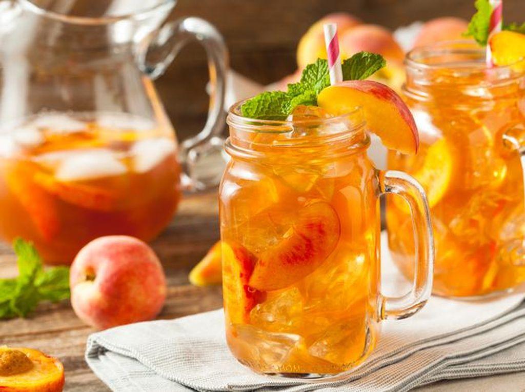 Slurpp! Segar Dingin Es Teh Mangga Peach Mudah Dibuat Sendiri