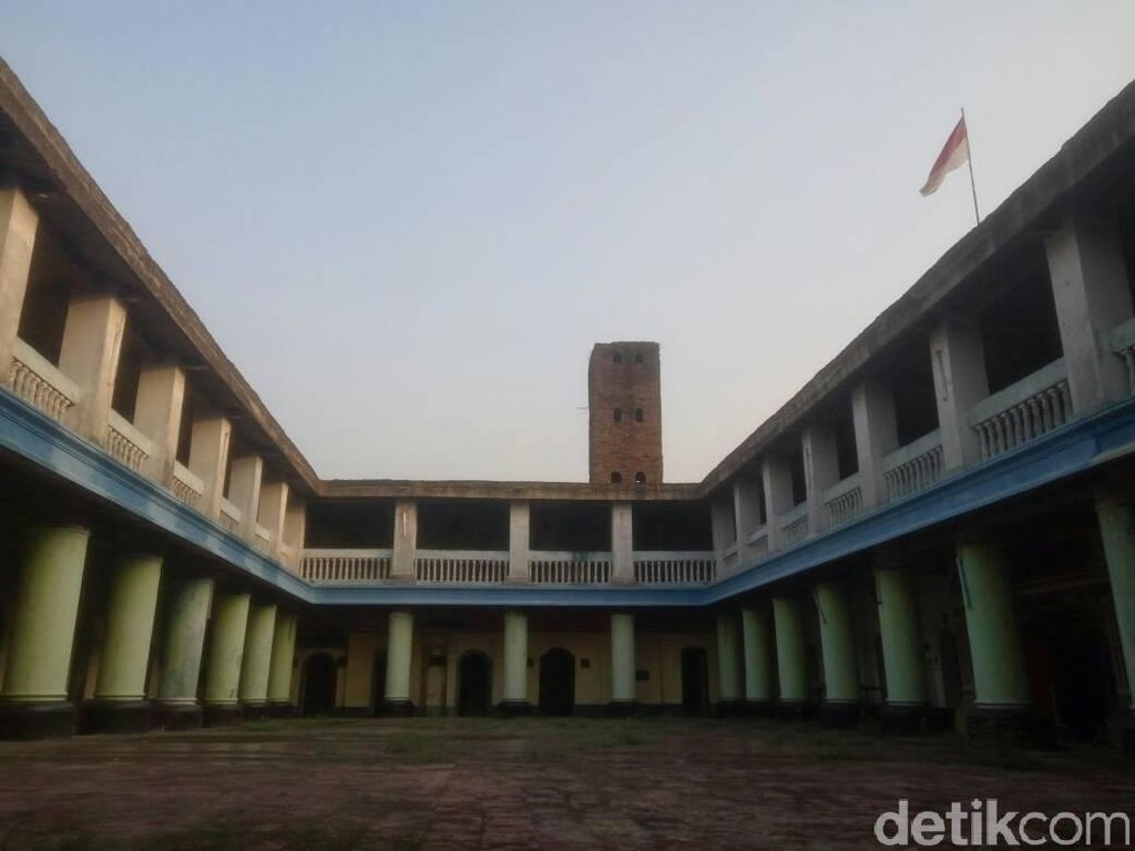 Masjid di Tangerang ini Konon Punya Seribu Pintu, Percaya?