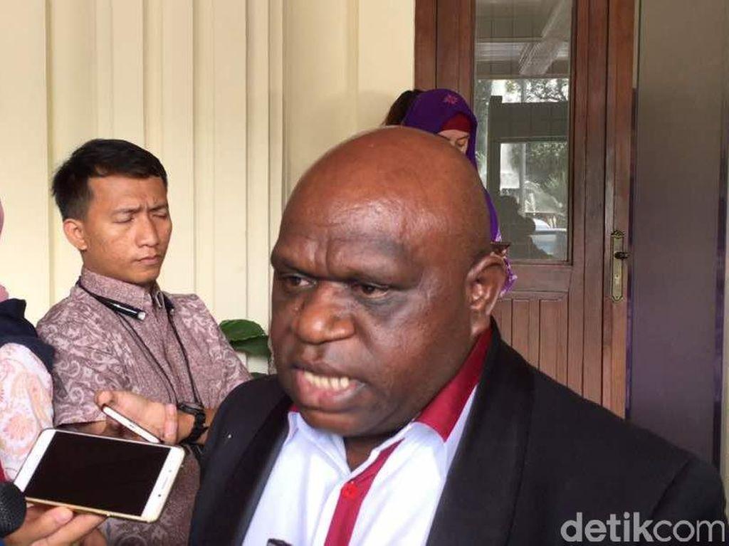 Natalius Pigai Dilaporkan ke Bareskrim atas Dugaan Rasis ke Ganjar-Jokowi!