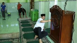 Selama Ramadan, Warga Semarang Bersih-bersih Masjid Tiap Jumat