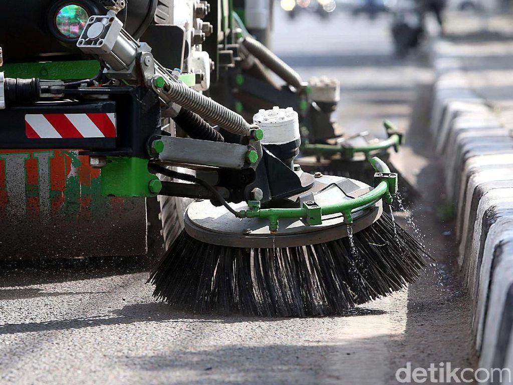 Sikat Road Sweeper Harus Diganti Tiap 3 Bulan