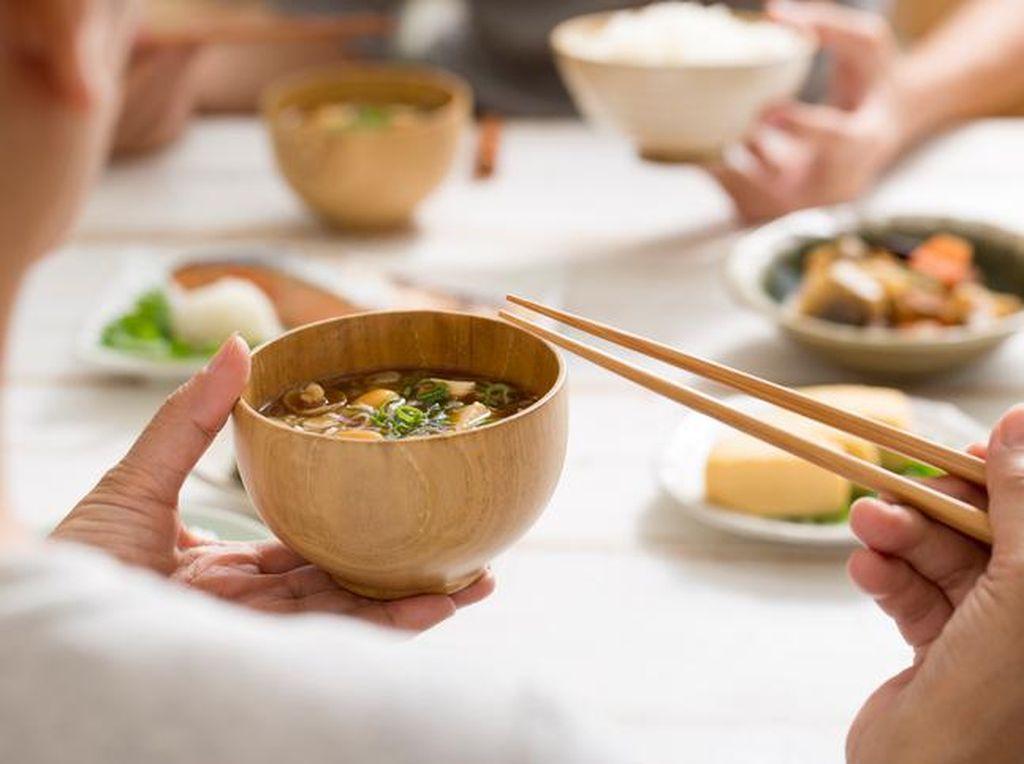 Jelang Laga Timnas U-19, Begini Pola Makan Sehat Warga Jepang