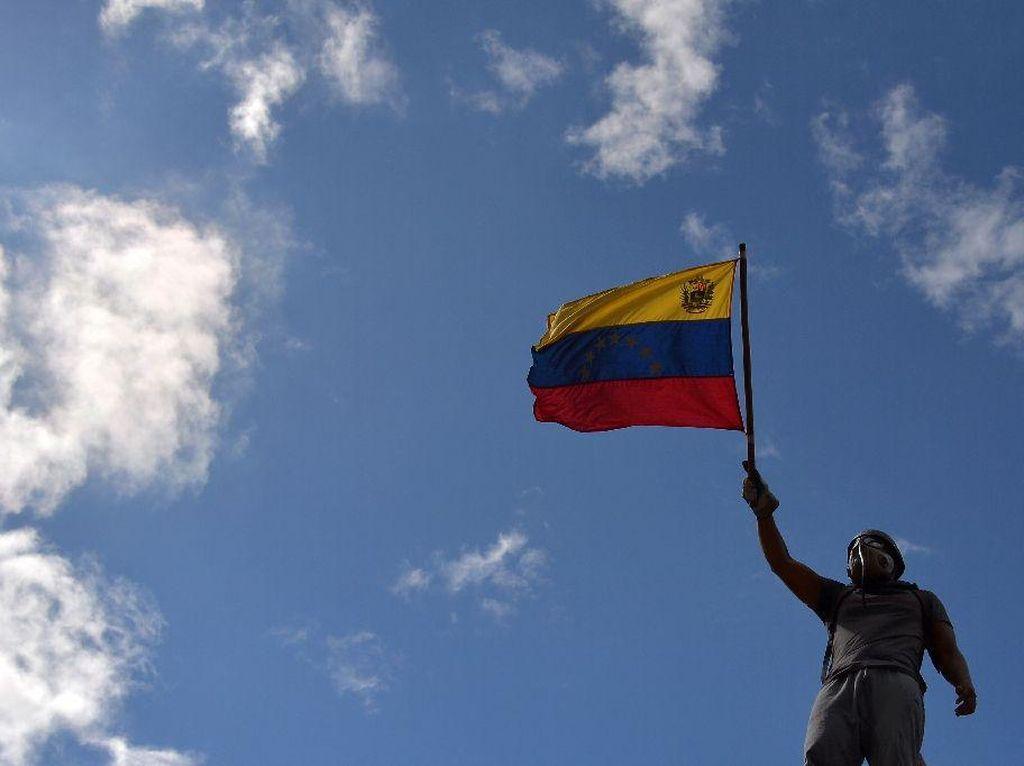 IMF Tolak Beri Pinjaman Venezuela Buat Atasi Corona