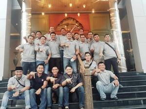 Alumni Akpol Angkatan 2004 Gelar Bagi-bagi Takjil dan Sembako