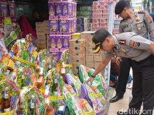 Polisi Pekanbaru Sidak Penjual Parsel dan Minuman Kaleng