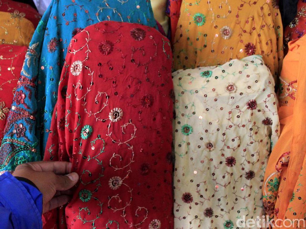 RI Digempur Tekstil Impor, Pengusaha: Market Indonesia Kritis