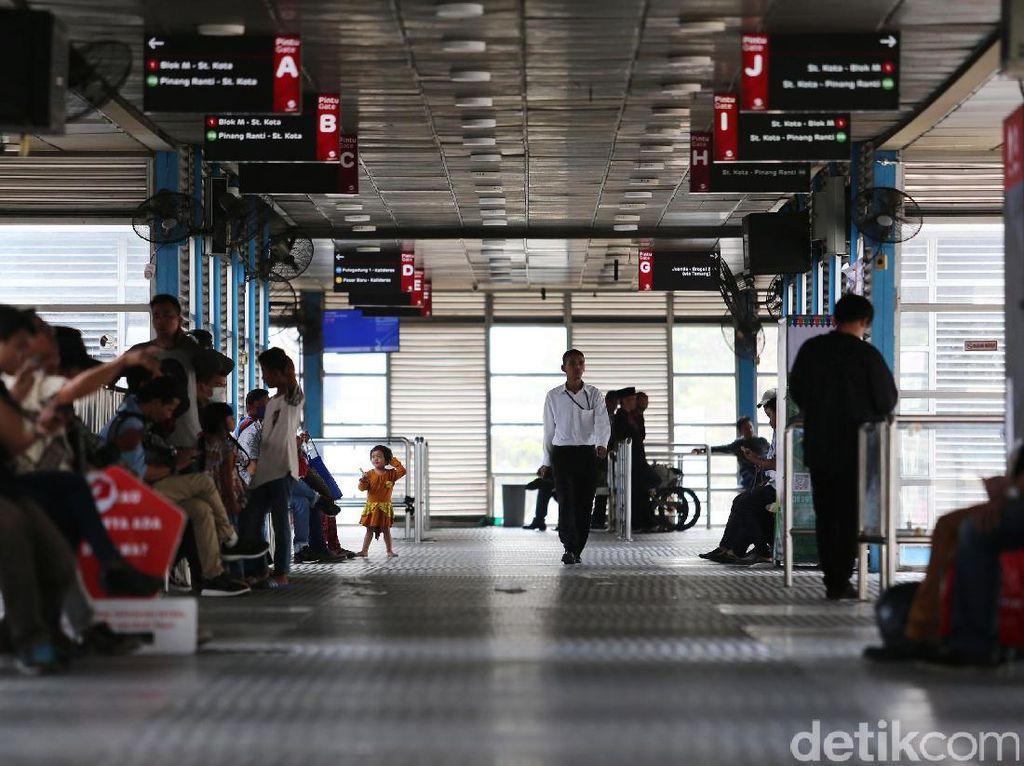 Ada Wifi Gratis di Semua Halte Busway, Begini Cara Aksesnya