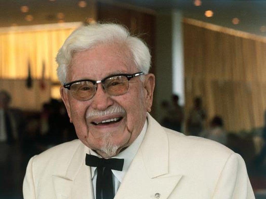 Kisah Sukses Colonel Sanders Bangun Jaringan Resto Ayam yang Mendunia
