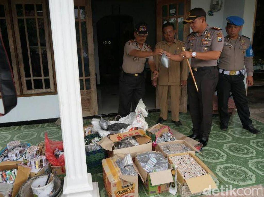 Dua Home Industry Petasan di Jombang Digerebek