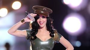 Katy Perry Jadi Ratu Twitter, Kalahkan Taylor Swift