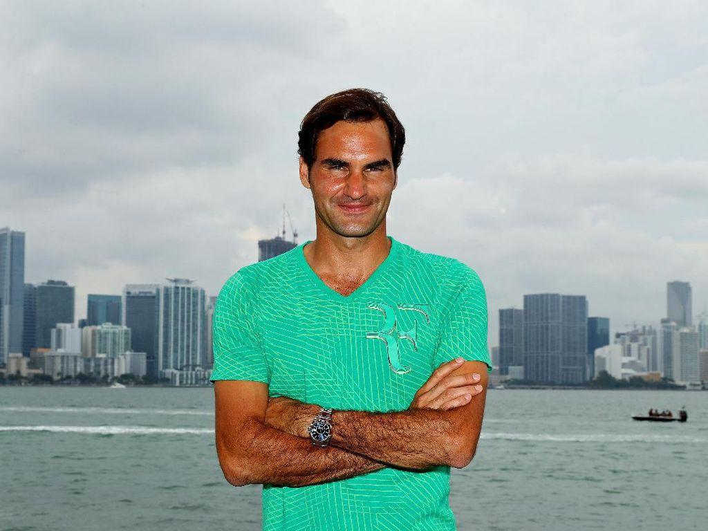 Usai Dua Bulan Istirahat, Federer Comeback di Stuttgart