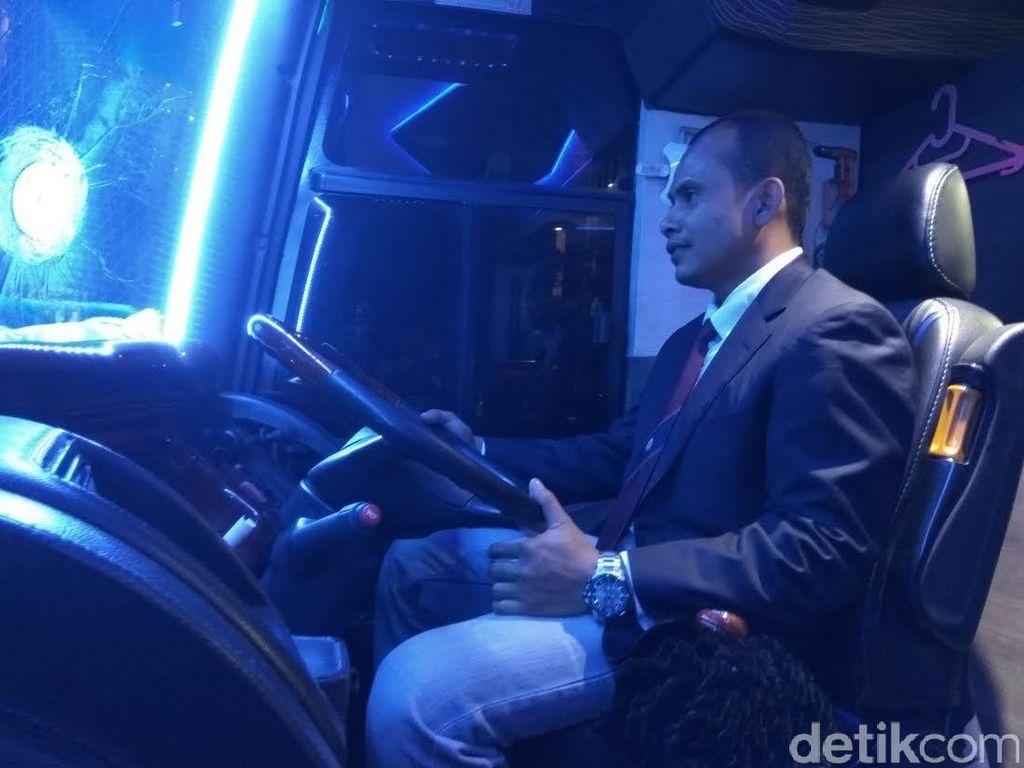 Biar Elegan, Sopir Bus Bertingkat di Aceh Wajib Pakai Jas dan Dasi