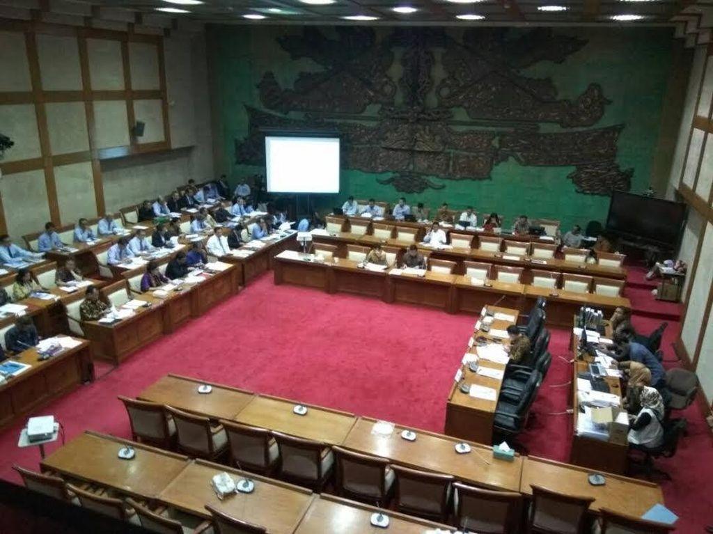 Sri Mulyani dan Bambang Bahas Anggaran di DPR
