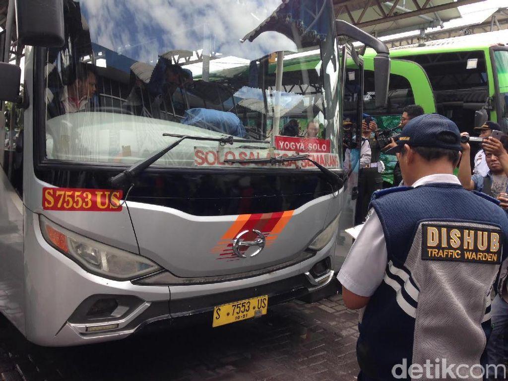 Cek Kendaraan Mudik, Dishub Jatim Temukan 2.800 Bus Tak Layak Jalan