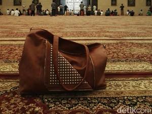 Di Lamongan, Ada Masjid Bernuansa Masjidil Haram