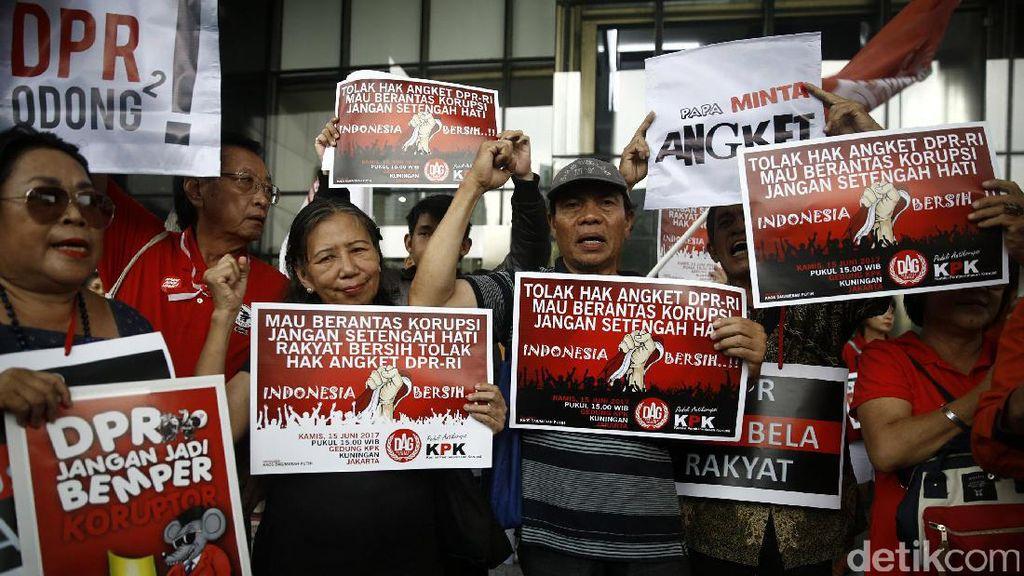 Demo Tolak Hak Angket KPK