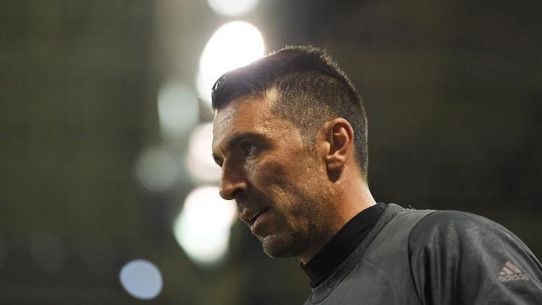 Buffon Mungkin Masih Lanjut Main Musim Depan