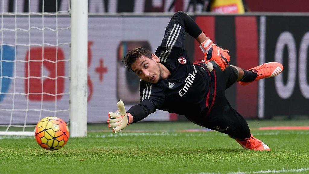 Milan Pertahankan Donnarumma Sampai Kontraknya Selesai