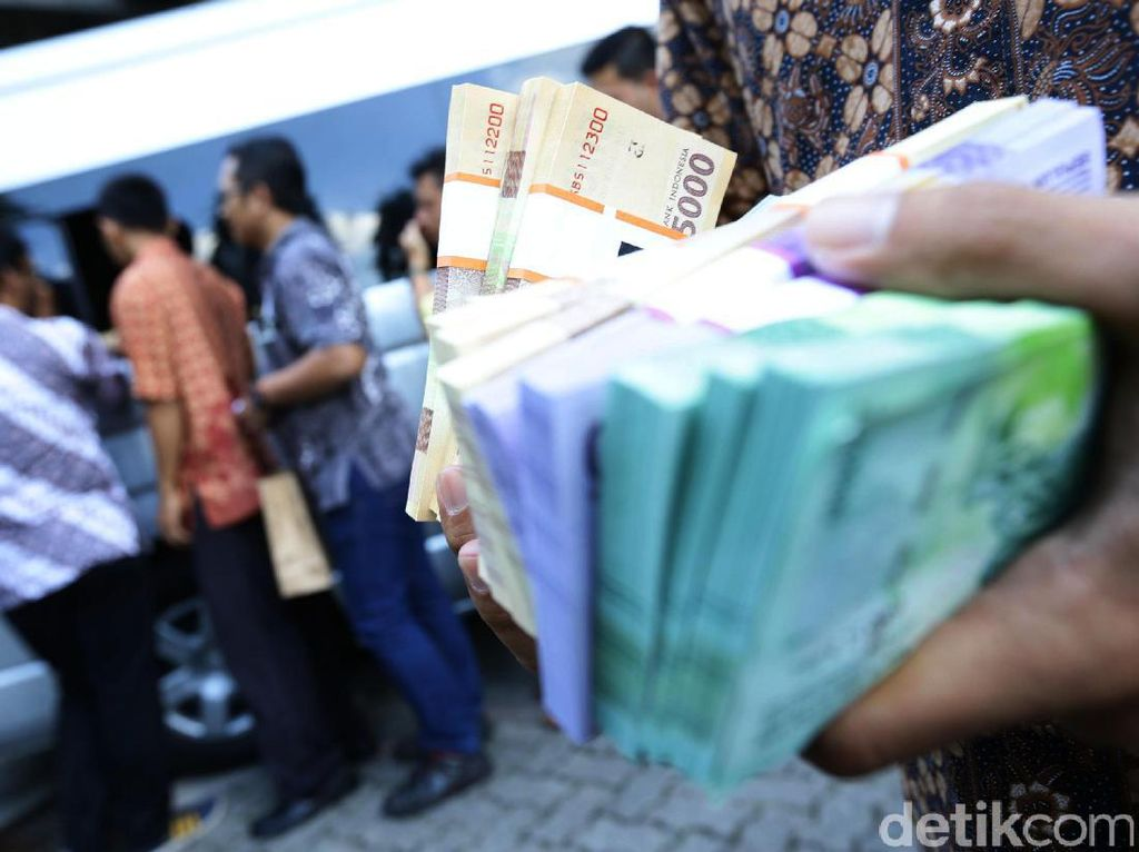 Masyarakat Sudah Tukar Uang Receh untuk Lebaran Rp 172 T