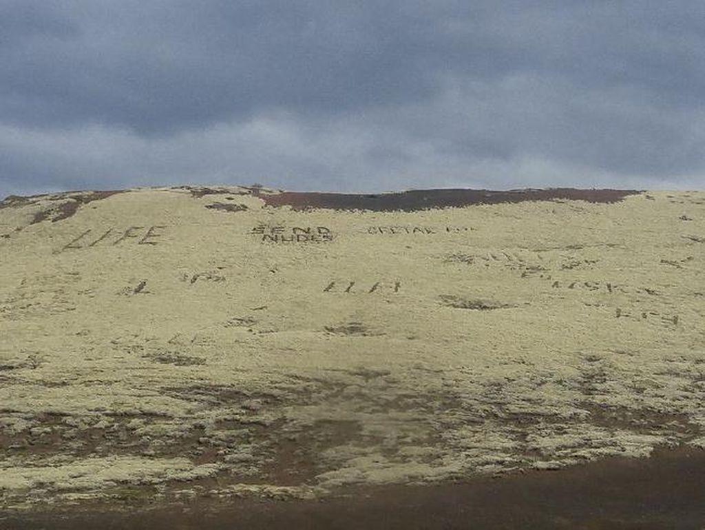 Kelewatan, Traveler Ukir Tulisan Tak Senonoh di Bukit Islandia