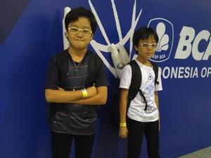 Meski Jagoan Sudah Kalah, Dua Bocah Ini Tetap Antusias Nonton Indonesia Open