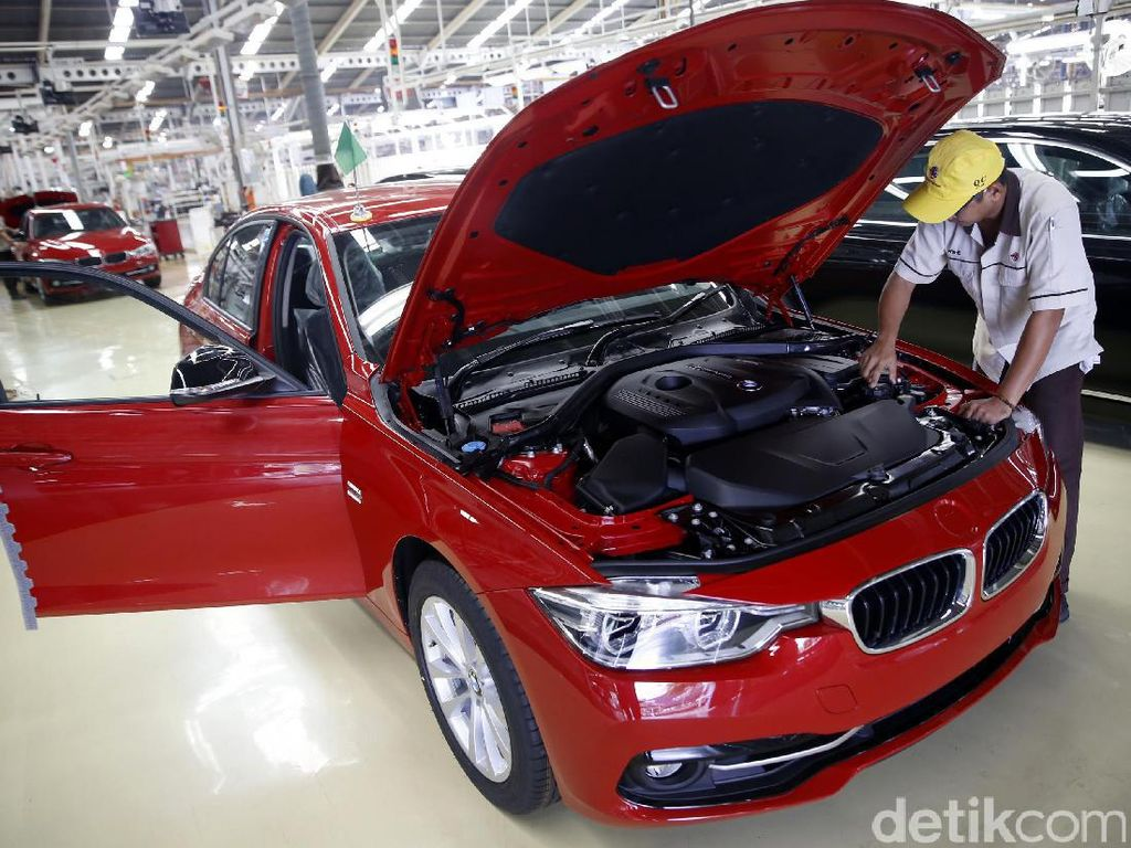 Mengintip Proses Produksi BMW di Sunter