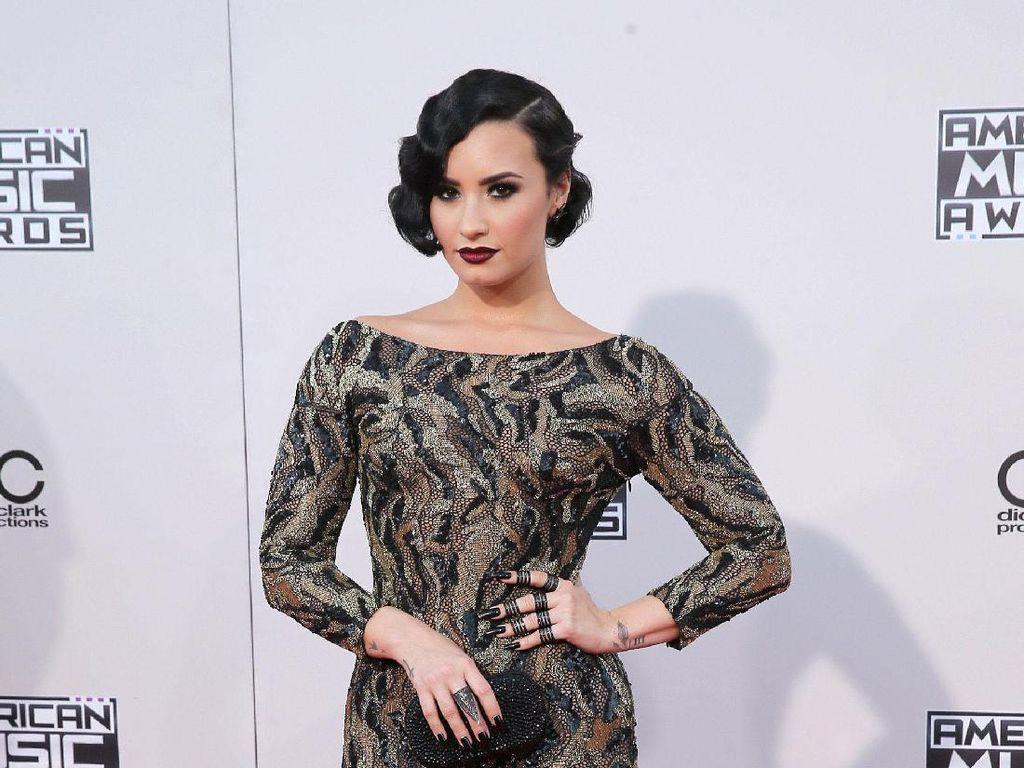 Demi Lovato Bicara soal Kesehatan Mental Saat Pandemi Corona