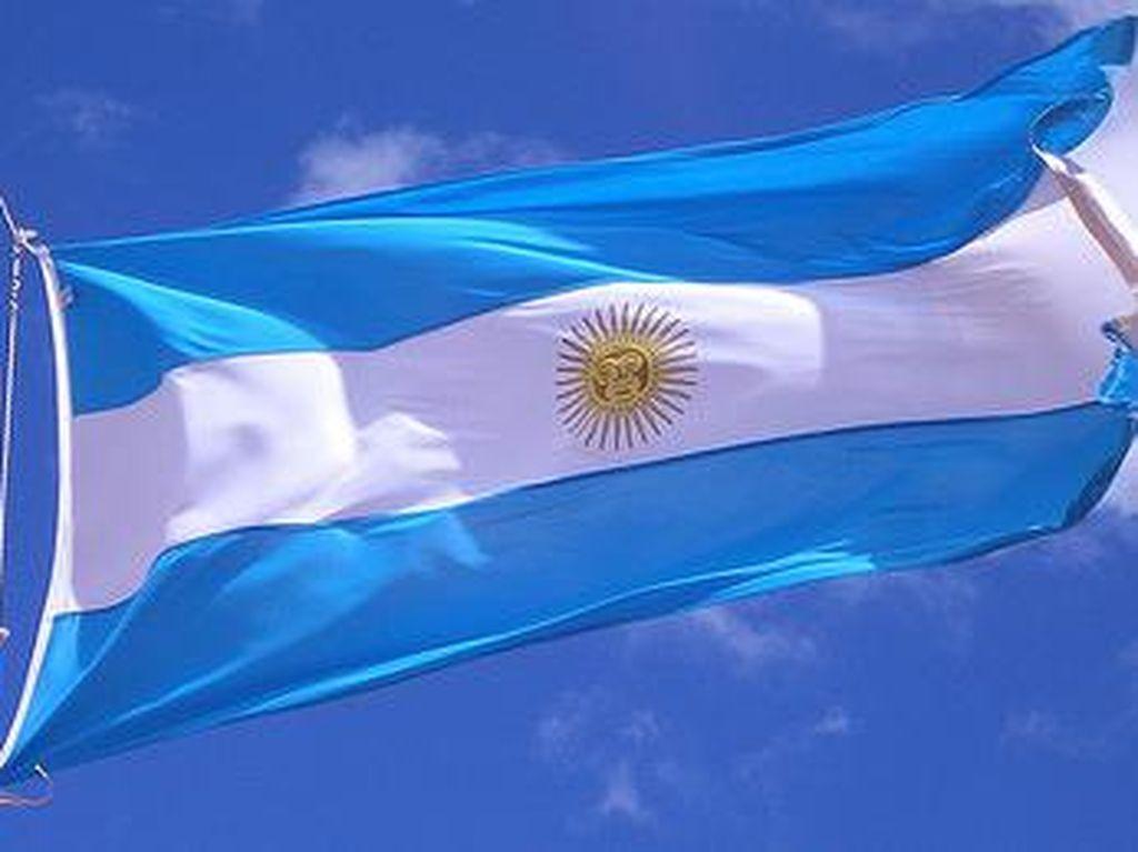 Hormati Korban Meninggal Corona, Ratusan Bendera Argentina Tertanam di Pantai Bristol