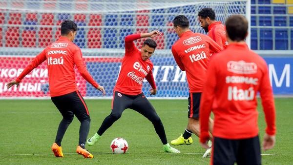 Sanchez Cedera, Terancam Absen di Laga Perdana Chile