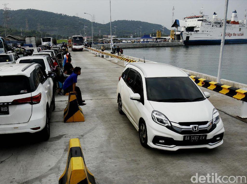 H-7 Lebaran, Pelabuhan Merak Terpantau Normal