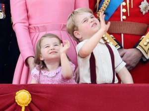 Gemas! Pangeran George dan Putri Charlotte Curi Perhatian di Acara Parade
