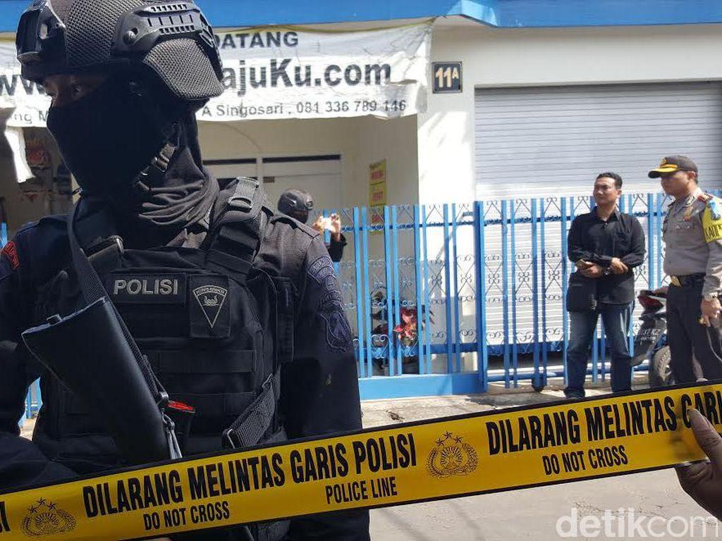 Pisau hingga Catatan ISIS Ditemukan di Rumah Terduga Teroris Cengkareng