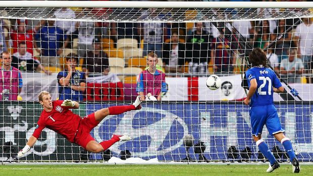 KIEV, UKRAINE - JUNE 24:  Andrea Pirlo of Italy chips the ball in the penalty shootout past Joe Hart of England during the UEFA EURO 2012 quarter final match between England and Italy at The Olympic Stadium on June 24, 2012 in Kiev, Ukraine.  (Photo by Alex Livesey/Getty Images)
