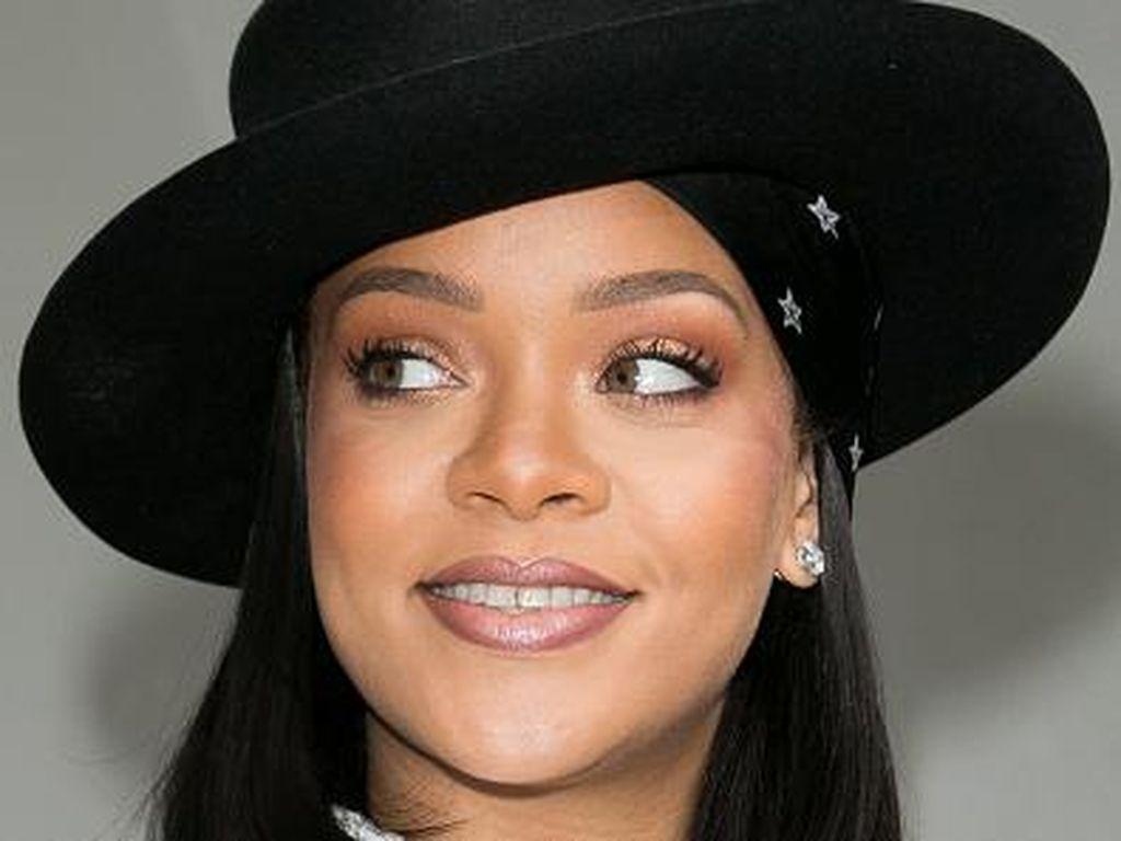 Pacar Baru Rihanna Pebisnis Tampan Asal Arab Saudi