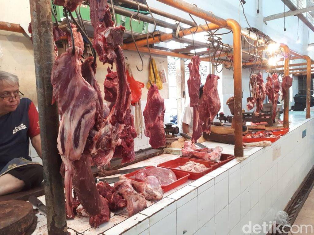 Harga Bawang Putih dan Daging Sapi di DKI Meroket