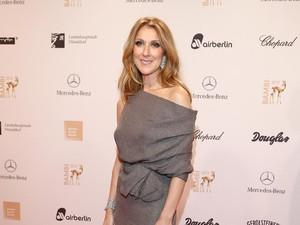Celine Dion Pamer Tubuh Polos di Usia 49 Tahun