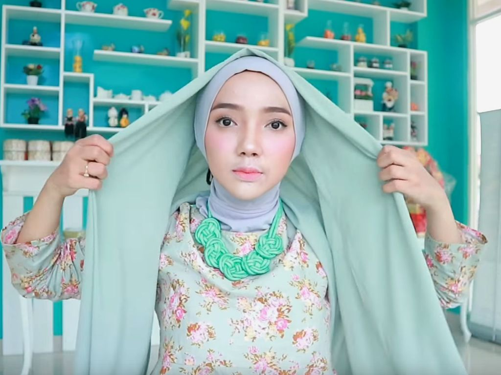 10 Tutorial Hijab Pashmina yang Simple