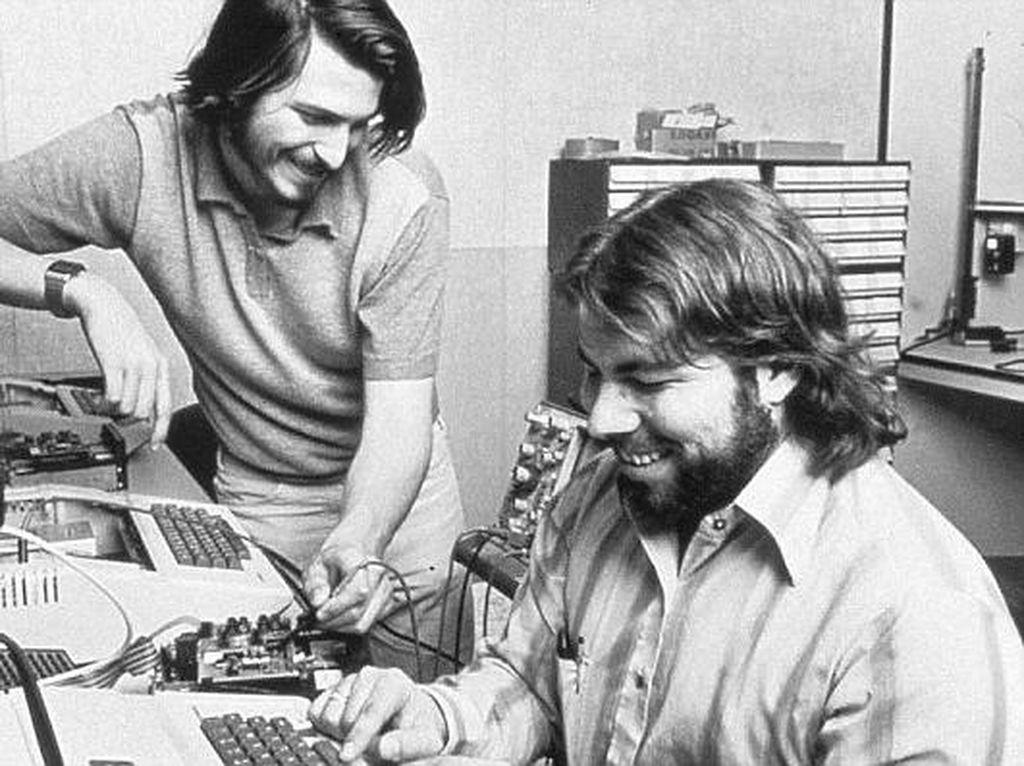 Kecelakaan Pesawat Bikin Pendiri Apple Hilang Ingatan