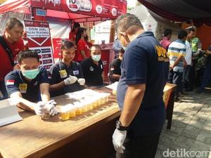 Jalani Tes Urine, 56 Sopir Bus di Terminal Kalideres Bebas Narkoba