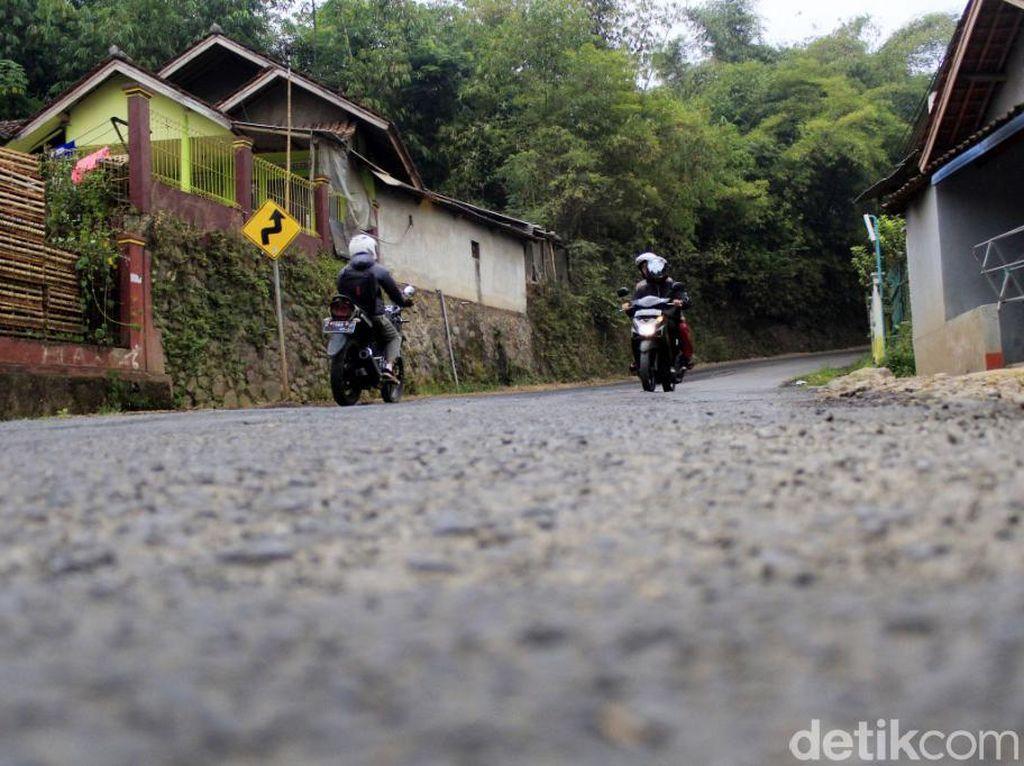 Jalur Alternatif Bandung-Sumedang Rawan Ranjau Paku